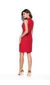 Elegancki fason jest świetny do pracy i na co dzień. Sprawdzi się jako strój na ważne uroczystości.