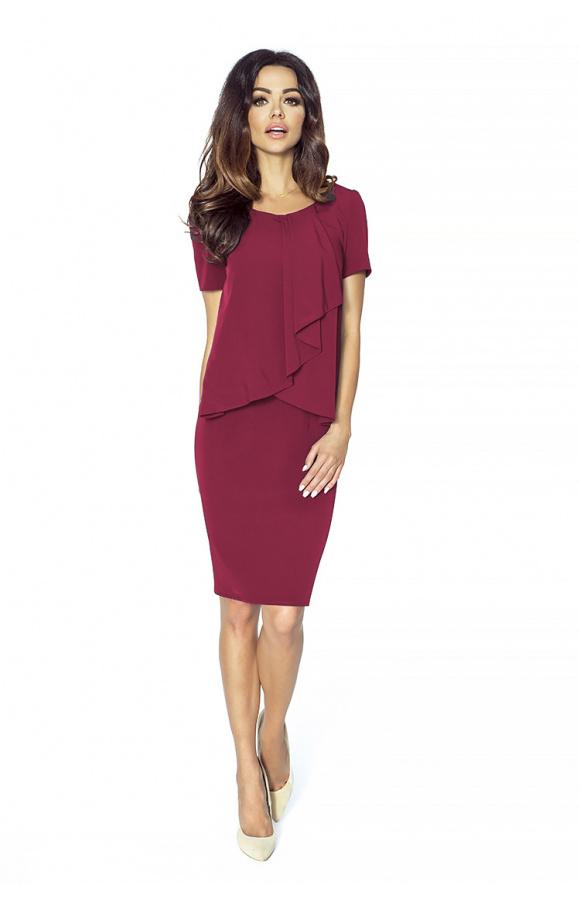 Elegancka, bordowa sukienka do kolana to praktyczna opcja na różne okazje.