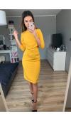 Uniwersalna sukienka midi na dowolną okazję. Kolor żółty doskonale sprawdzi się na co dzień.
