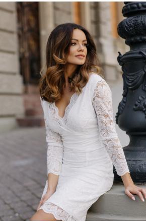 Kremowa wieczorowa sukienka z koronki km289-4