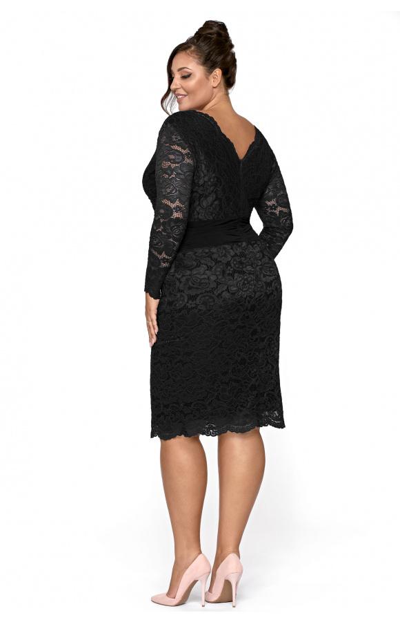 Sukienka nadaje się na wiele okazji, w tym przyjęcia, imprezy, uroczystości rodzinne.