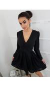 Cudowna, czarna sukienka mini o uniwersalnym kroju. Wspaniale podkreśla atuty sylwetki.