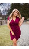 Modna sukienka na wiele okazji w oryginalnym odcieniu pomiędzy bordowym a głęboką fuksją.