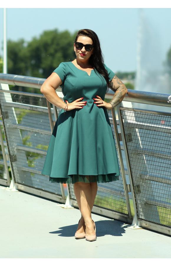 Rozkloszowana sukienka midi w kolorze butelkowej zieleni, idealna na ważne uroczystości.