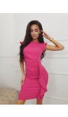 Mini sukienka w zachwycającym odcieniu fuksji. Idealna na ważne wyjścia, w tym wesele lub sylwestra.