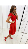Piękna, szyfonowa sukienka to opcja idealna na randkę, wesele i inne, nieformalne okazje.