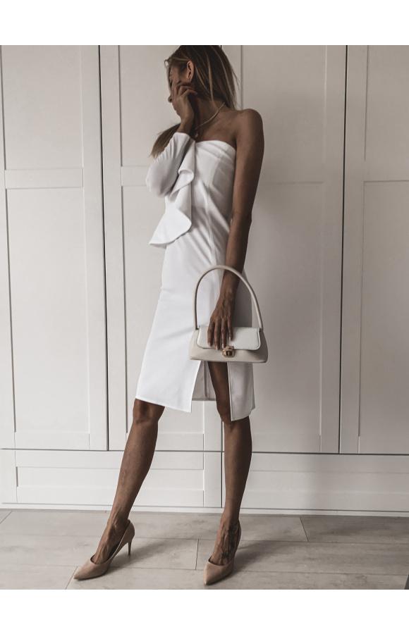Wyjściowa sukienka midi z odsłoniętym ramieniem. Kolor biały na wiele okazji, także poważnych.