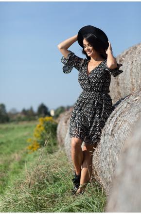 Sukienka z wyjątkowym printem Tina KM345
