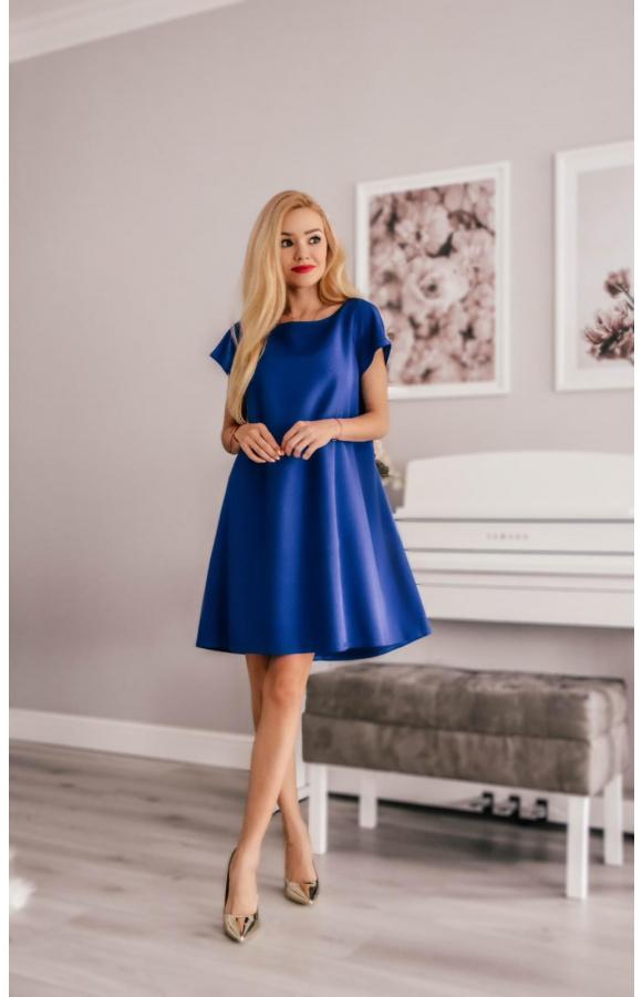 Chabrowa sukienka o klasycznym, trapezowym kroju mini.