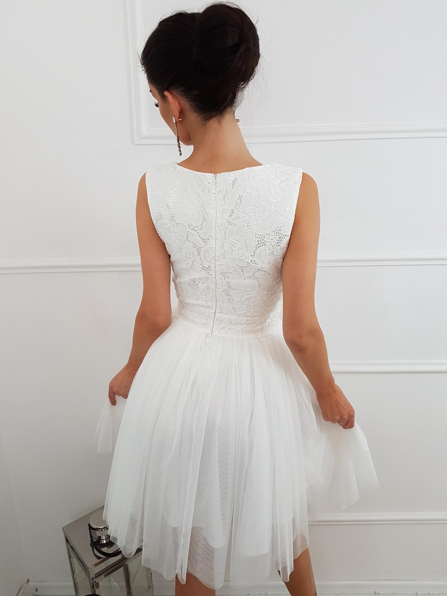 Ślubna tiulowa sukienka z koronkową górą KM141 2