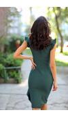 Oryginalna, koktajlowa sukienka midi, którą można wykorzystać w wieczornej stylizacji glamour.