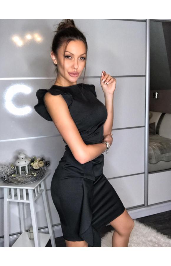 Mocno opięta, seksowna sukienka mini bez dekoltu, z efektownym drapowaniem z boku.