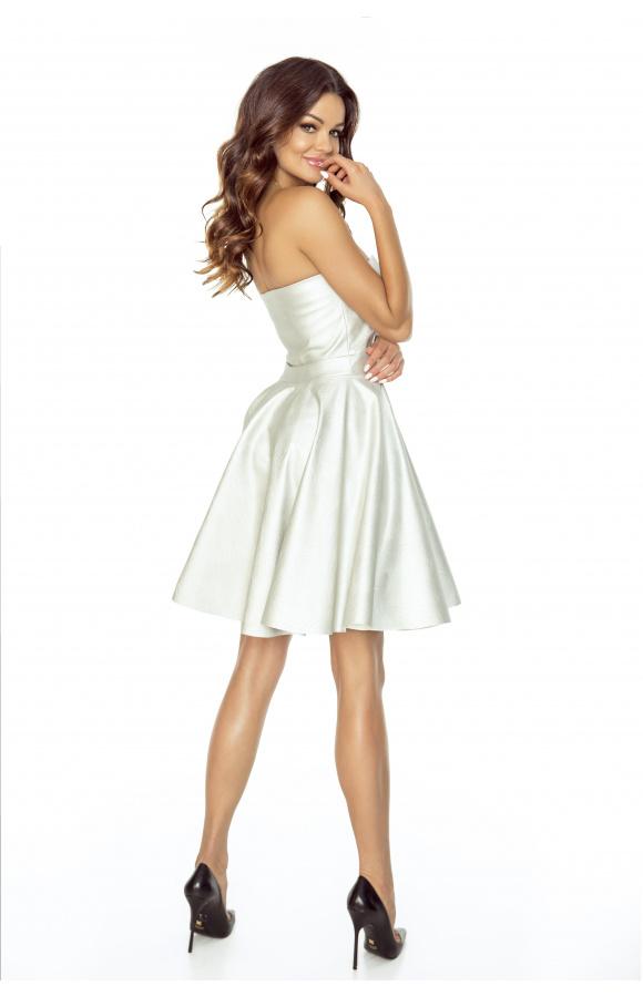 Srebrna, gorsetowa sukienka mini z rozkloszowanym dołem to imprezowy must-have!