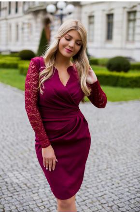 Sukienka z kopertowym dekoltem i koronką KM56K-4