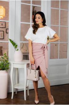 Zawodowa elegancja - czyli jaką sukienkę do pracy w biurze wybrać w 2022?